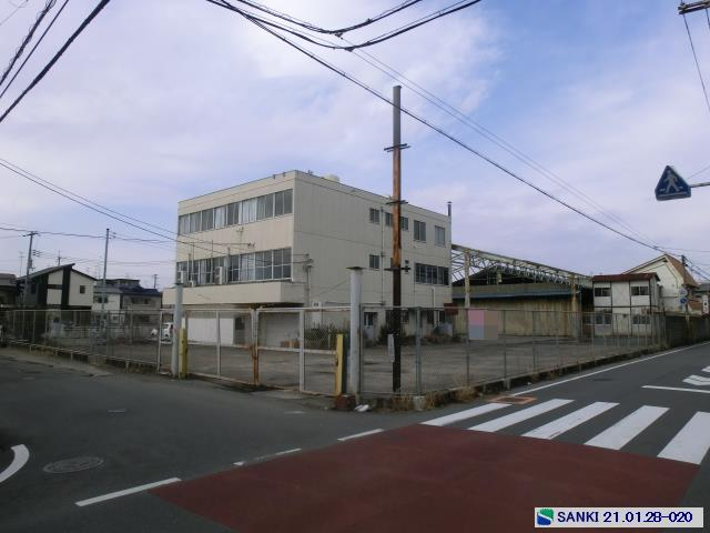 駐車スペース付 駅近 平家建