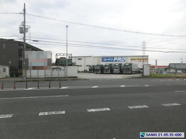幹線道路沿 大型車輌可 駐車スペース...